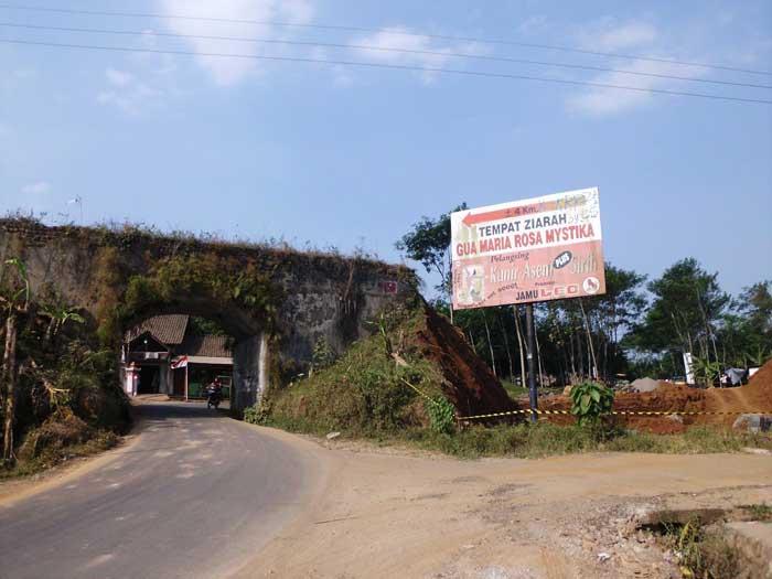 08-Viaduct-Bringin-Tlogo