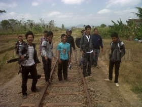 Pecinta Kereta Api Jelajah Jalur Mati Purworejo-Kutoarjo