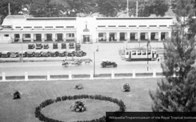 Menelusuri Jejak Stasiun Kereta Pertama di Jakarta