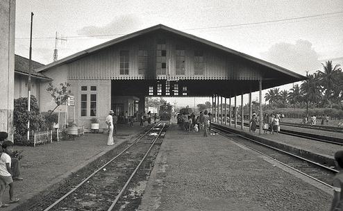 Cibatu, Charlie Chaplin Pernah Turun di Stasiun Itu