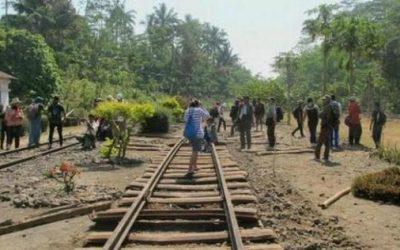 Napak Tilas Rel Mati Stasiun Bedono hingga Candi Umbul