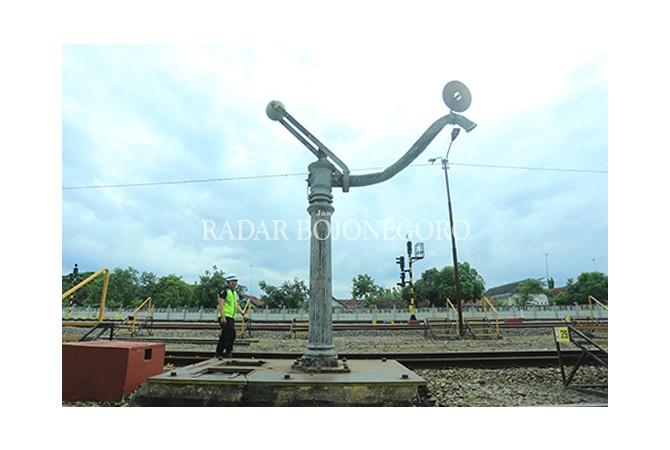 Melihat Sisa-sisa Benda Lawas di Stasiun Bojonegoro-Cepu